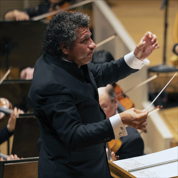 Guerrero Conducts Piazzolla & Beethoven